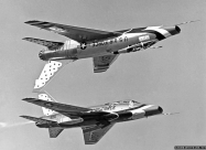 Thunderbirds F-100D Super Sabre solos