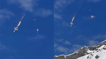 Dramatic photos shows the moment pilot ejects. Source: 20min.ch