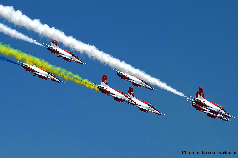 Red Falcon Nanchang JL-8