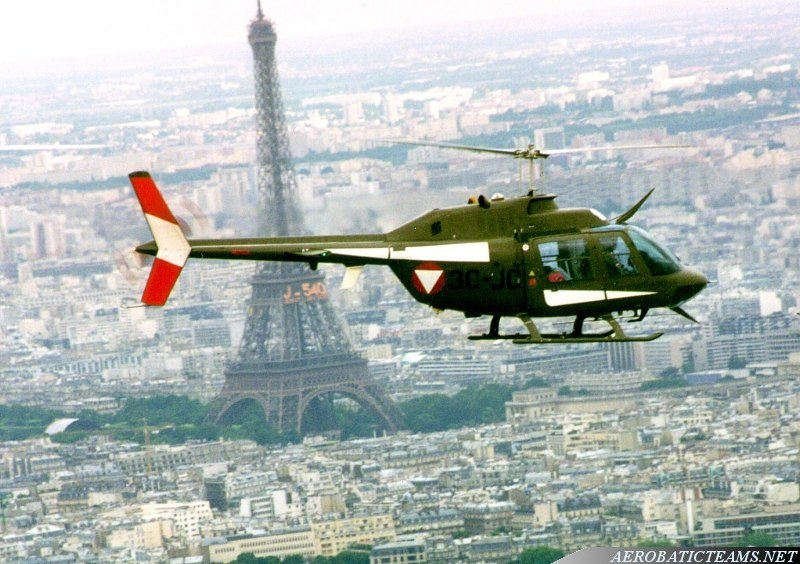 Kleeblatt Bell 206 Jet Ranger over Paris