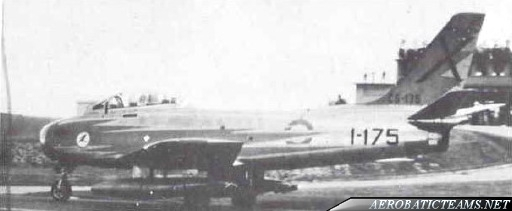 Patrulla Ascua F-86 Sabre second paint scheme from 1957 to 1965