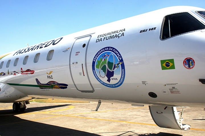 Embraer ERJ 145 in tribute to 60 anniversary of Esquadrilha da Fumaca