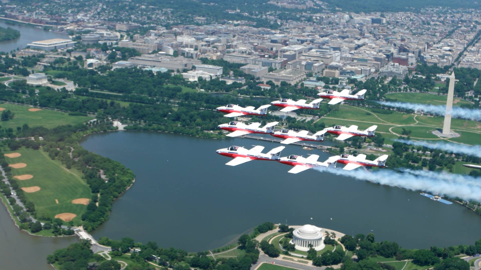 Snowbirds CT-114 Tutor over Washington