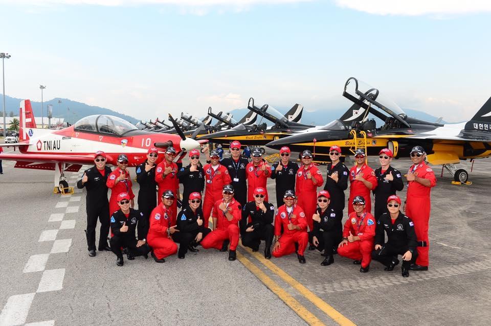 Black Eagles and Jupiter aerobatic teams pilots