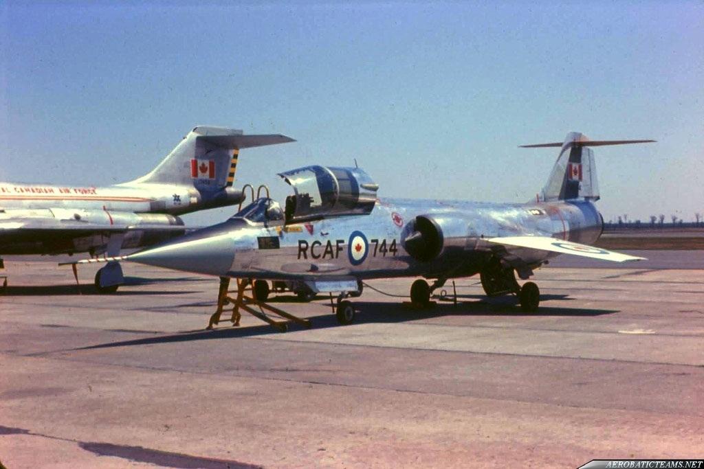 Golden Centennaires CF-104. Photo by William Ewing