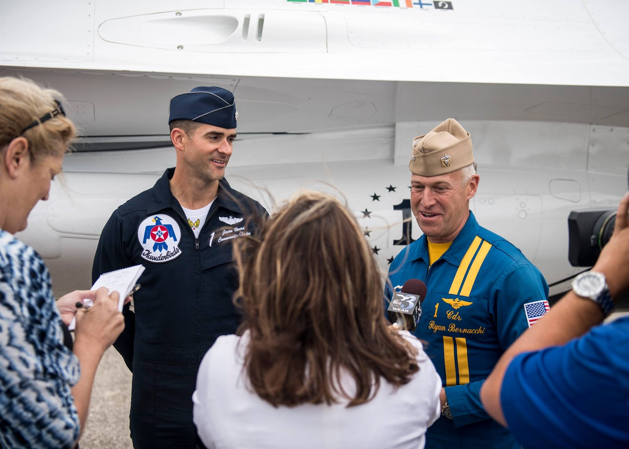 Commanders of Thunderbirds and Blue Angels during media day at Pensacola Naval Base. Photo USAF
