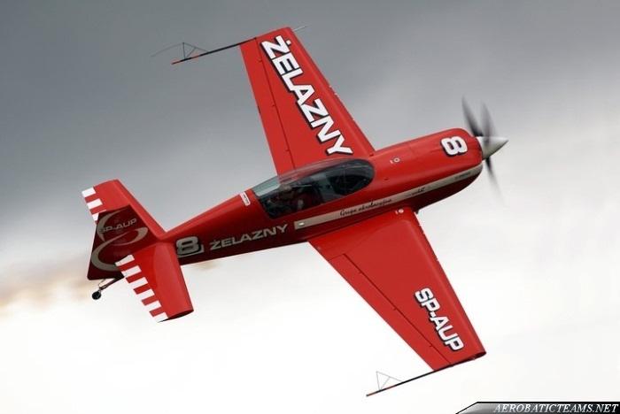Zelazny Aerobatic Group Extra 330