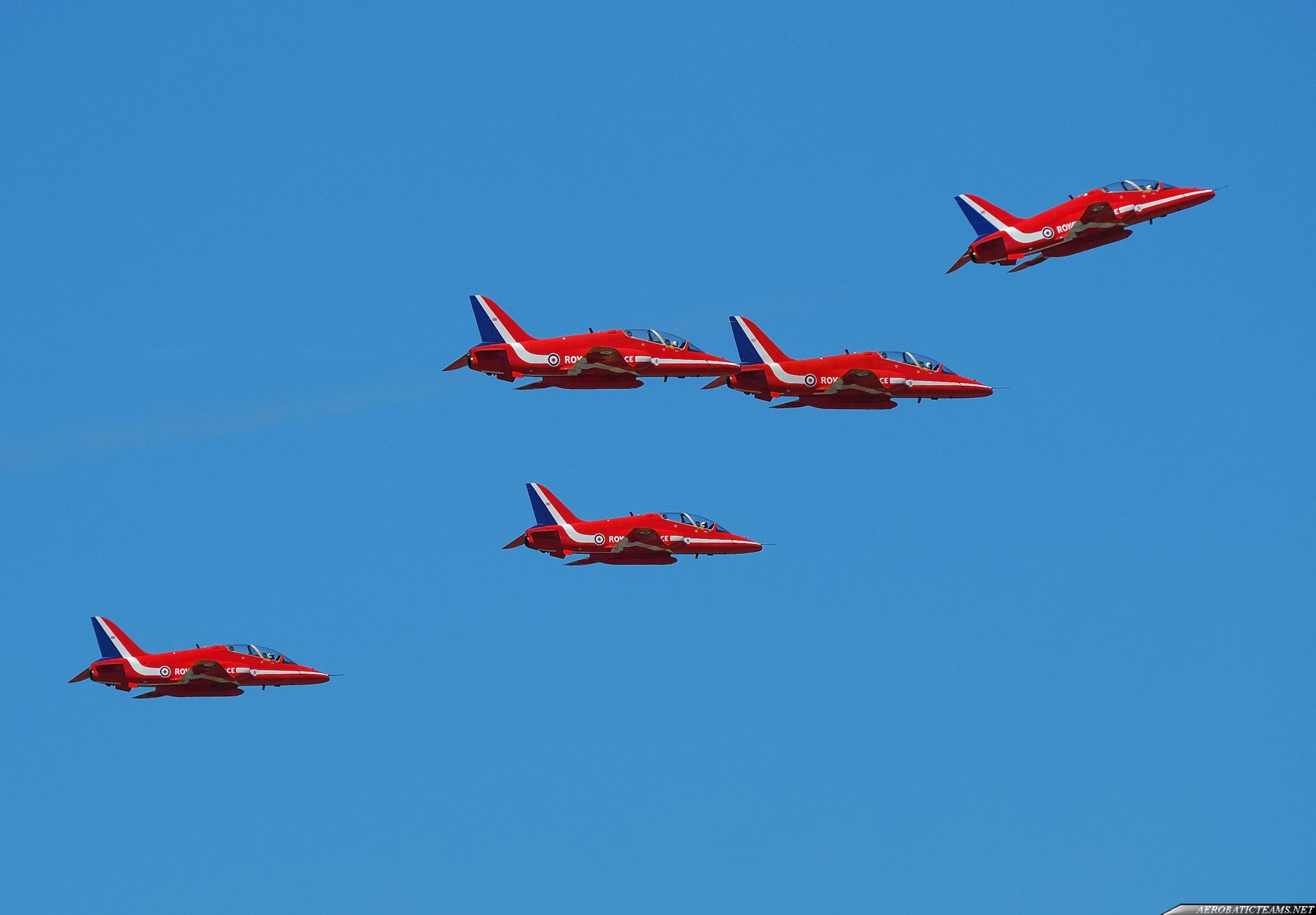 Red Arrows technical malfunction on the way to Malta