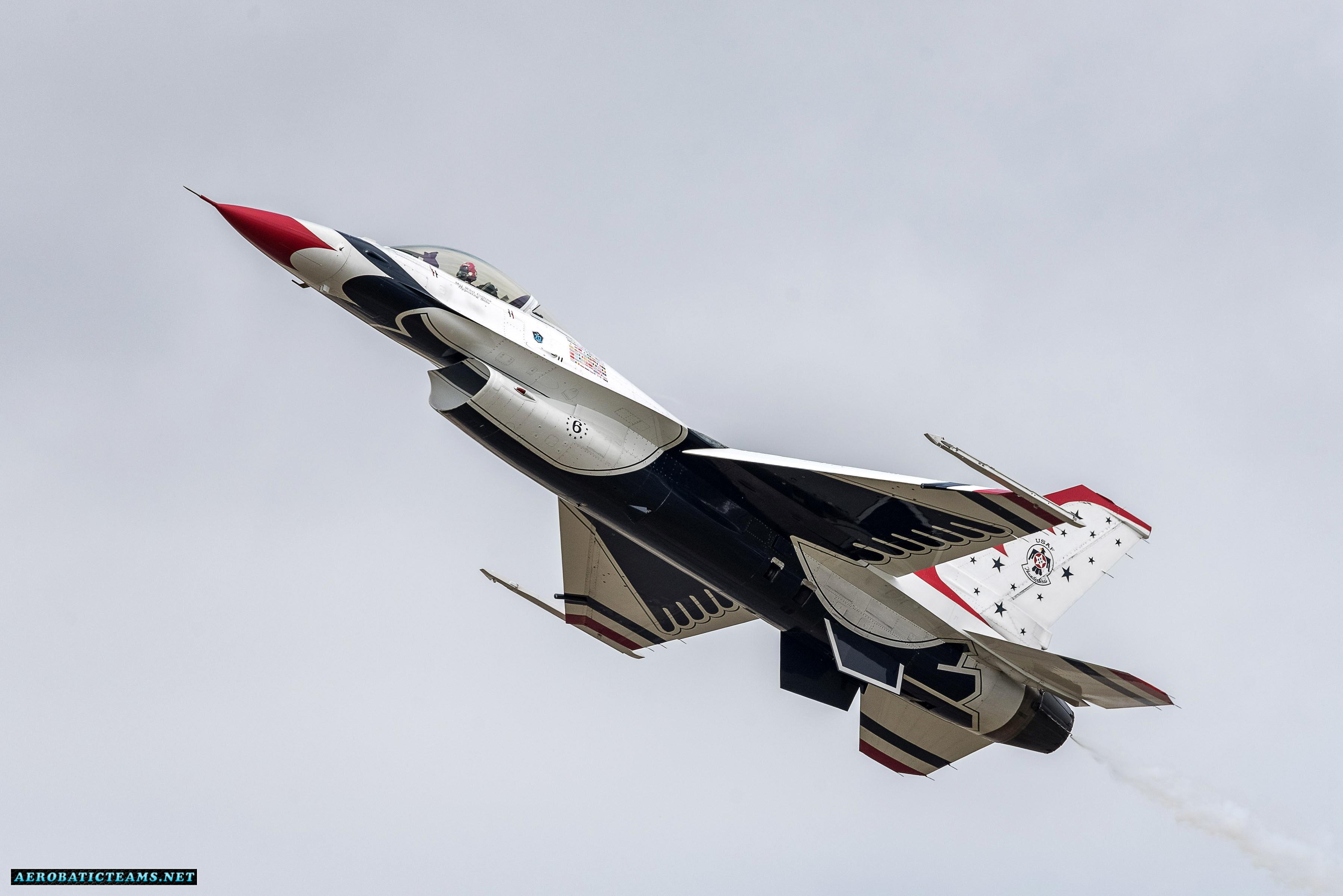 Thunderbirds resume practice flights after the fatal crash