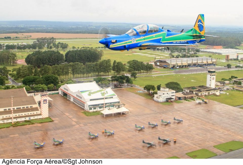 Esquadrilha da Fumaca lost two pilots in crash