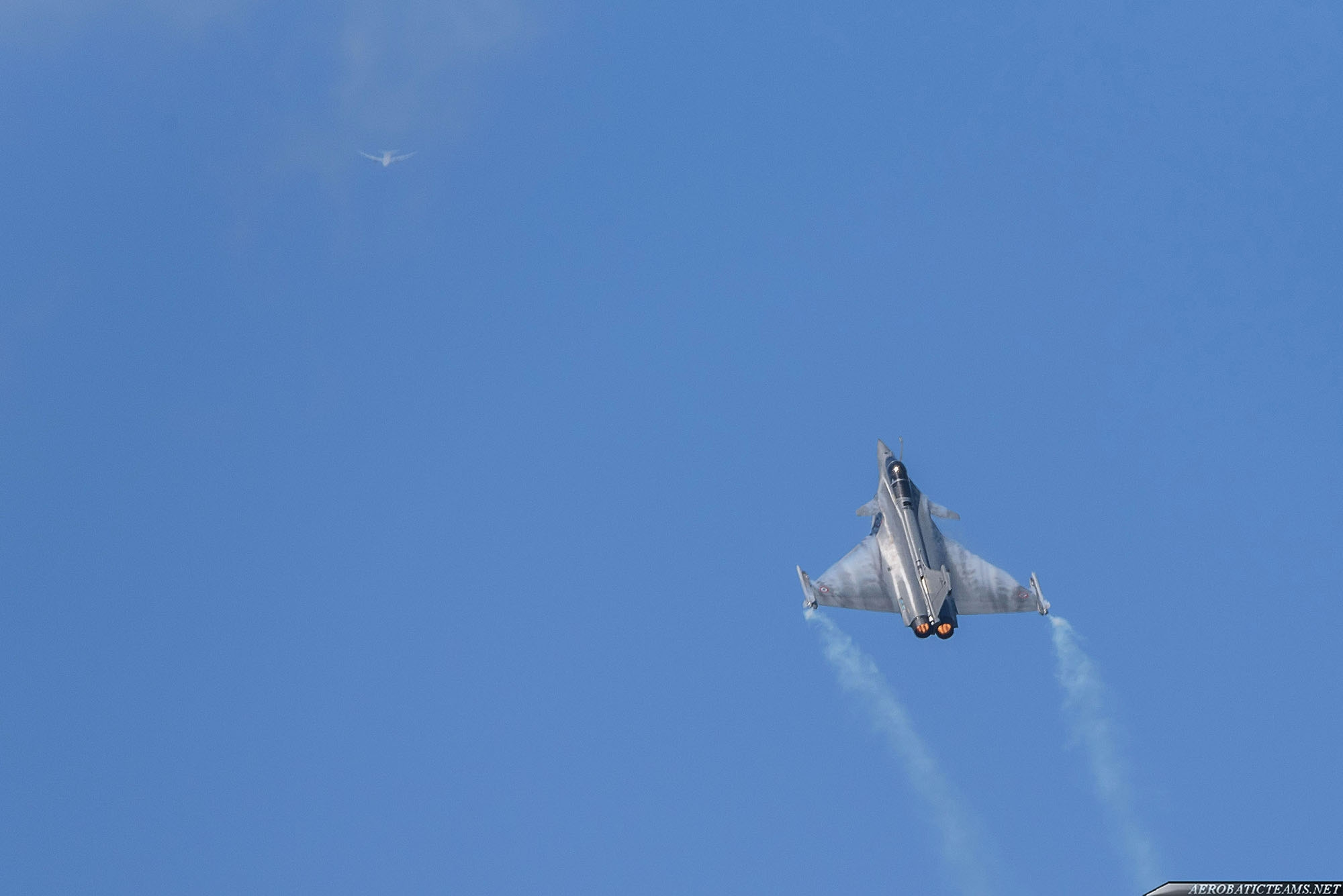French Air Force Rafale and civil air traffic