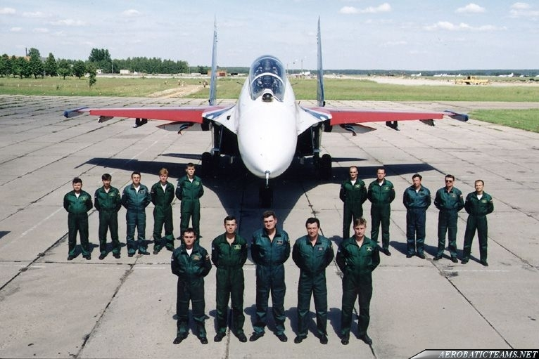 Russian Knights Su-27 crew and pilots