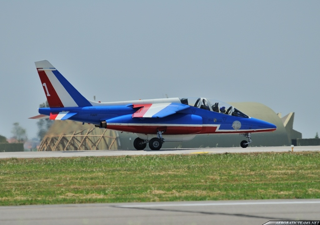 Patrouille de France leader goes to replace its aircraft