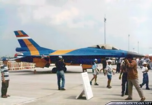 Elang Biru F-16A at Singapore Air Show 1996
