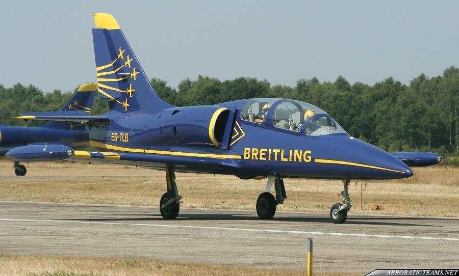 Breitling Jet Team L-39C Albatross. Second paint scheme. (Photo by Jean-Marie Hanon)