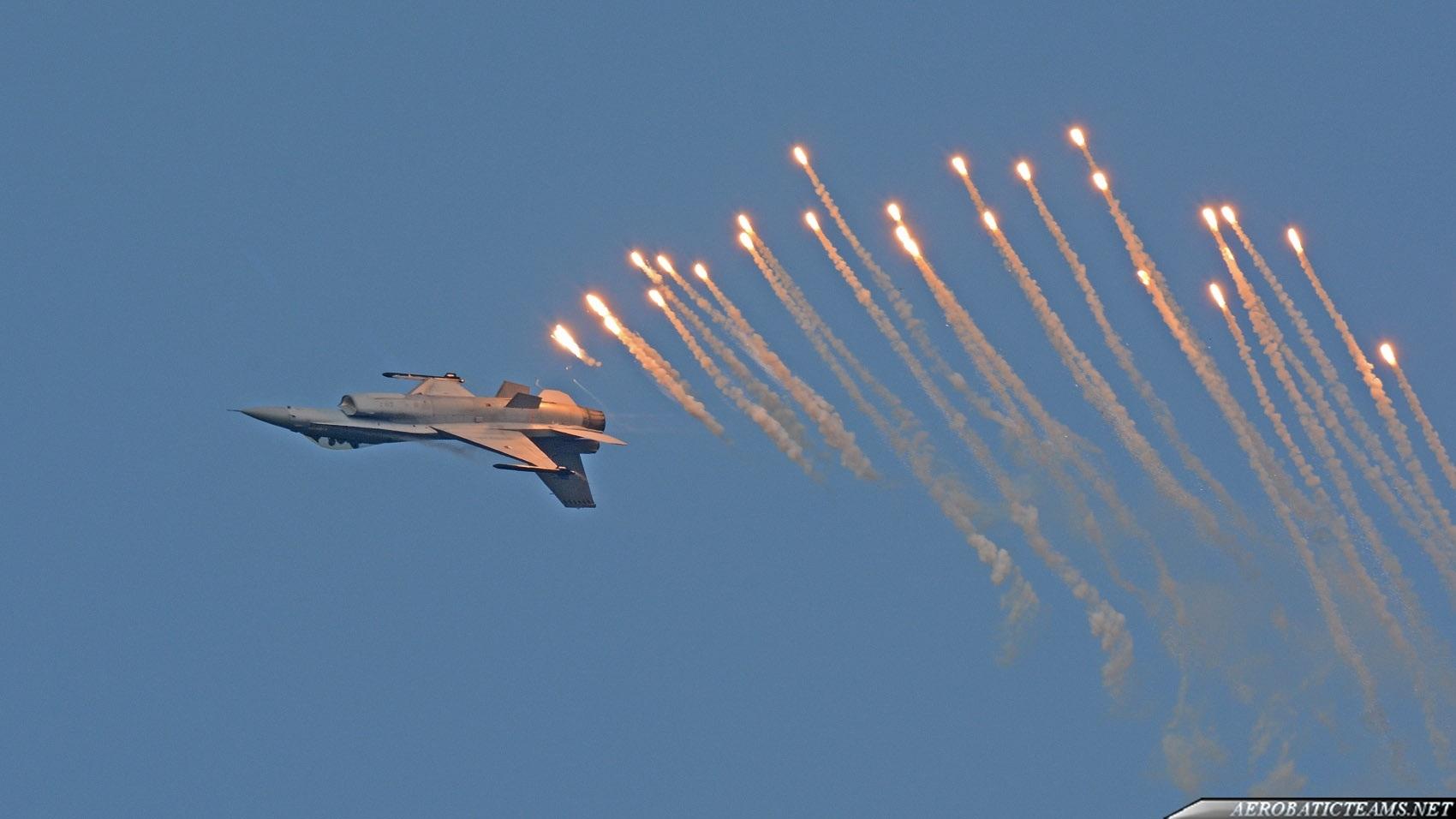 RNLAF F-16 Demo Team