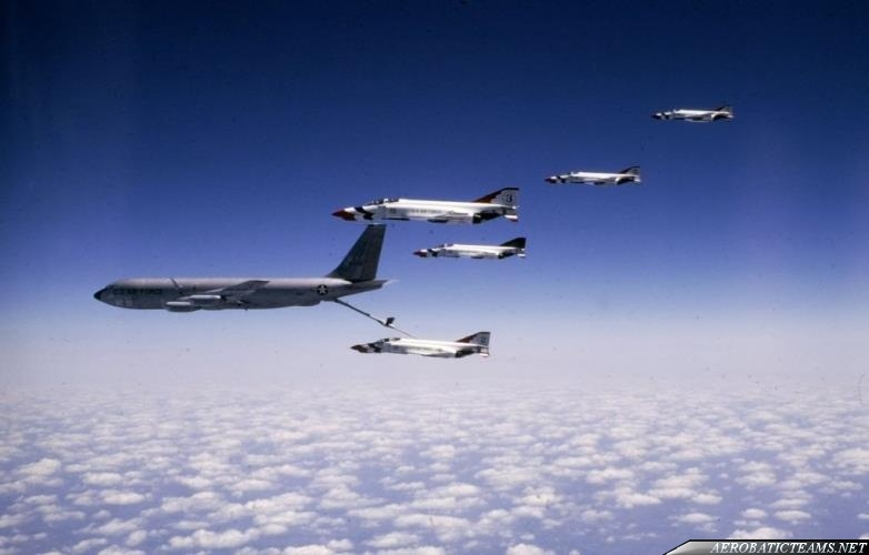 KC-135 refueling Thunderbirds F-4E Phantoms