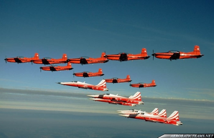 PC-7 TEAM and Patrouille Suisse