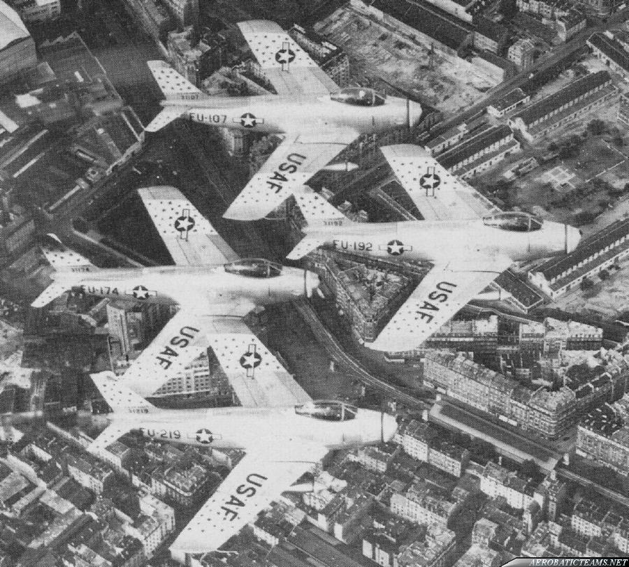 Skyblazers F-86F Sabre. Skyblazers over Paris, 1955