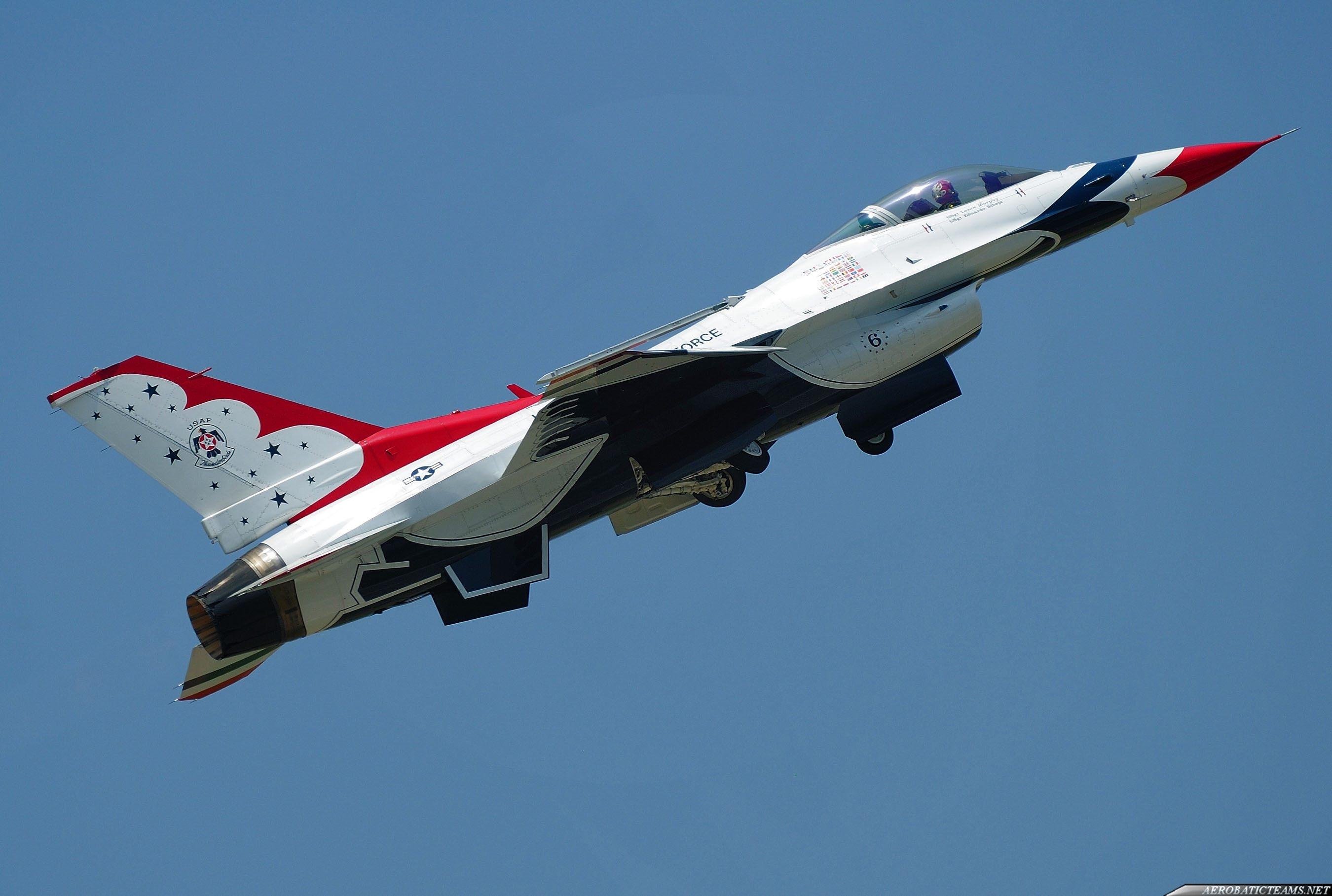 Thunderbirds F-16C #6 takes off