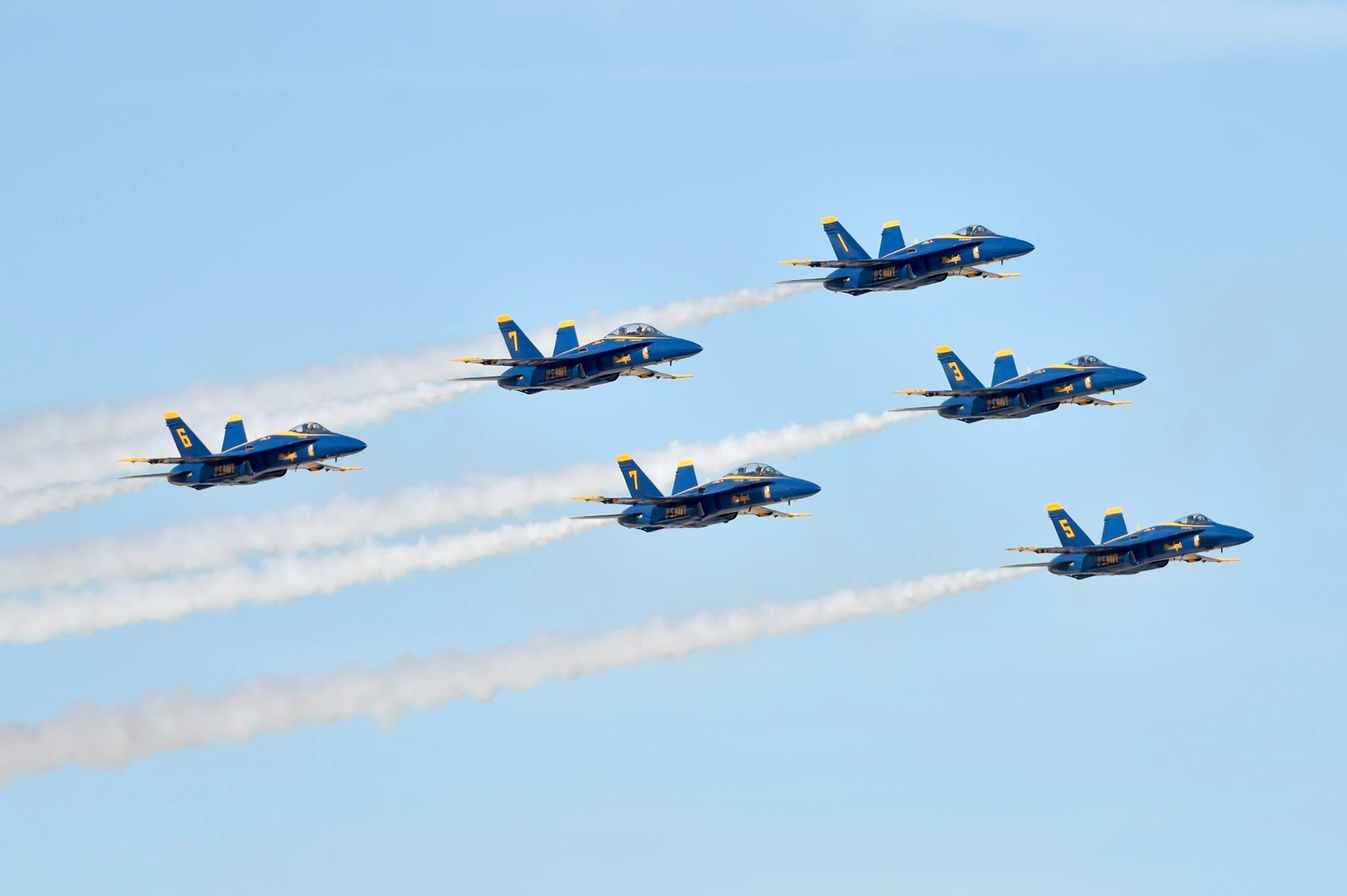 Blue Angels Delta formation. Photo US NAVY