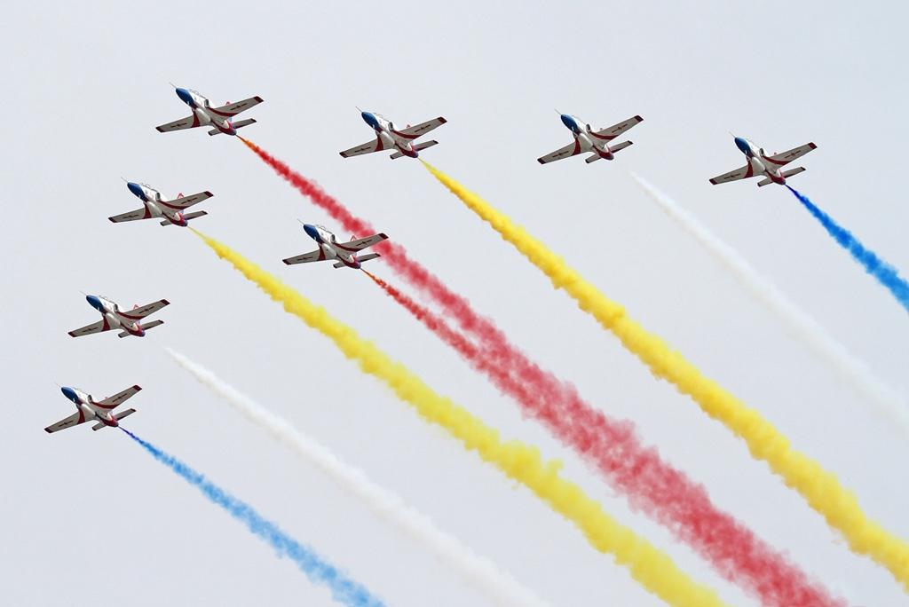 Red Falcon aerobatic team