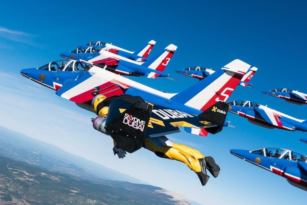 Patrouille de France formation with Jetmans. Photo Armée de lair