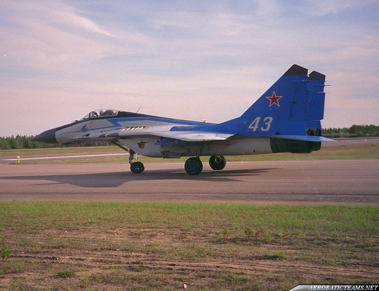 Swifts MiG-29 old paint scheme, from 1991 to 2003