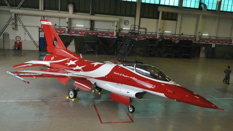 Black Knights F-16C new paint scheme