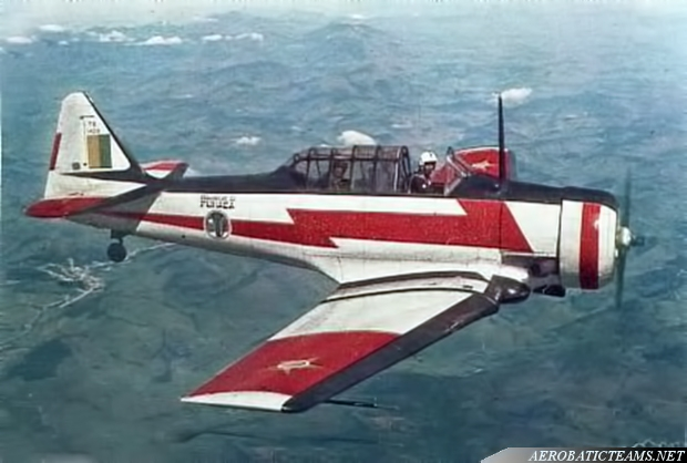 Esquadrilha da Fumaca flew T-6 Texan from 1952 to 1968 and from 1970 to 1977