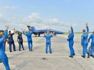 Blue Angels resume practice flights