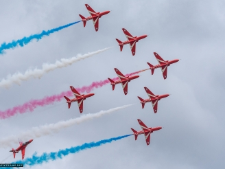 Red Arrows announced 2018 airshow pilots