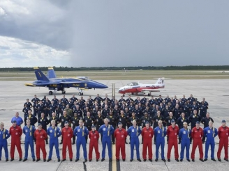 Snowbirds and Blue Angels in joint flight