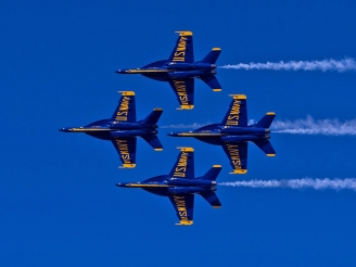 Is the Super Hornet better for the Blue Angels than Legacy Hornet