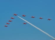 Red Arrows arriving