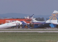 Russian Knights Su-27. SIAD'97 belly landing incident